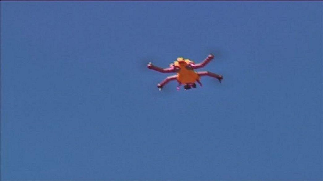 Drone com câmara integrada para filmar desportos radicais