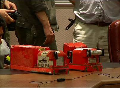 MH17 flight recorders are handed over by Ukrainian rebels