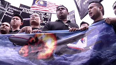 Malaysians demand answers from Russia and Ukraine over MH17