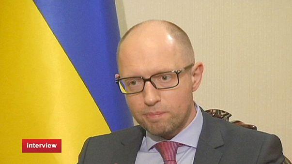 """Yatseniuk: """"Continuamos a acreditar que o objetivo final da Federação Russa é eliminar a Ucrânia"""""""