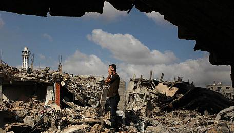 Hamas and Israel hold temporary 12-hour truce