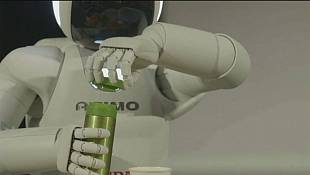 Brussels: Old robot, new hand