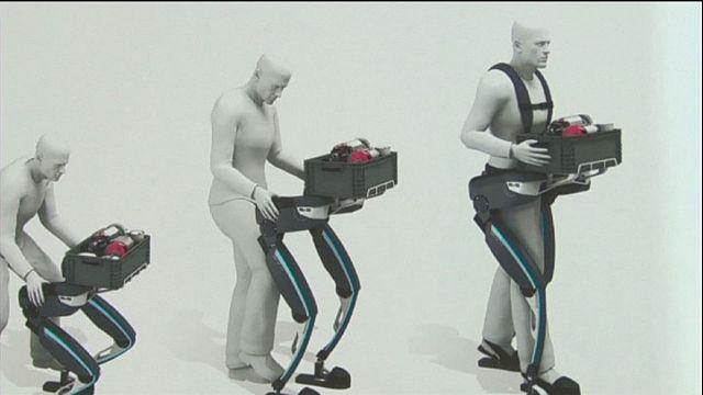 """الروبوت """"هرقل"""" للمساعدة على حمل الأشياء الثقيلة"""