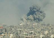 Massive blast as Gaza shelling continues