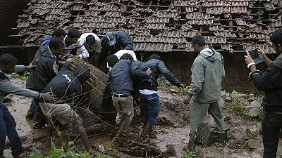 India, cinque sopravissuti a Malin. 25 morti, ma in 160 mancano all'appello