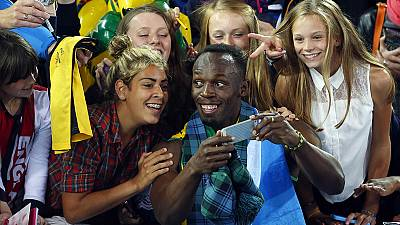 "Bolt poses for ""selfie"""