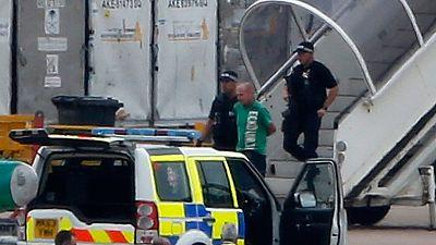 UK: Man arrested after hoax bomb threat on Qatar Airways plane