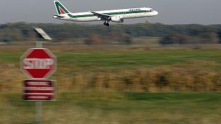 Alitalia: firmato accordo con Etihad