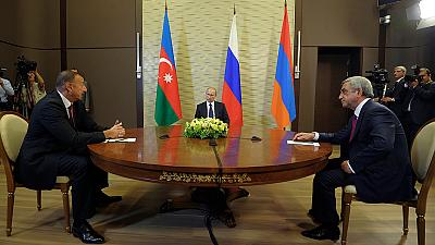Putin plays peacemaker between Armenians and Azeris
