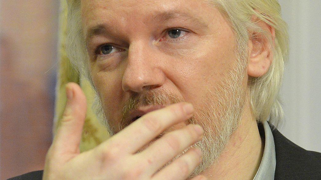 """Fundador do Wikileaks pronto a abandonar """"refúgio"""" na embaixada equatoriana"""