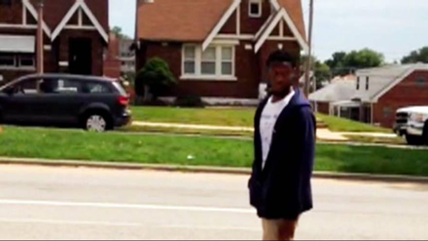 St Louis police release video of Kajieme Powell shooting
