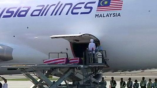 Malaysians killed on MH17 arrive in Kuala Lumpur