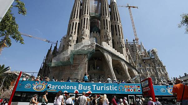 Barcelona residents protest against anti-social behaviour