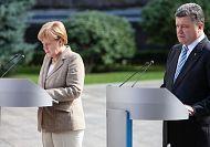 """Merkel and Poroshenko call for """"decentralised"""" Ukraine"""