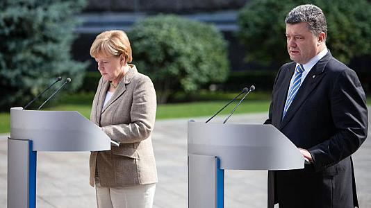 "Merkel and Poroshenko call for ""decentralised"" Ukraine"