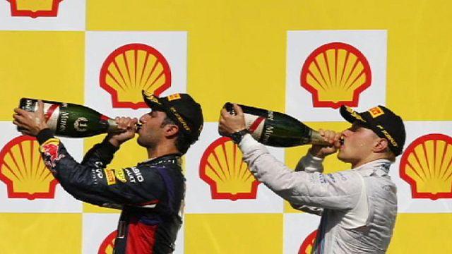 Ricciardo wins Belgium GP after Mercedes collision