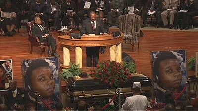 Thousands attend funeral of teenager Michael Brown