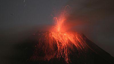 Ecuador's Tungurahua volcano erupts