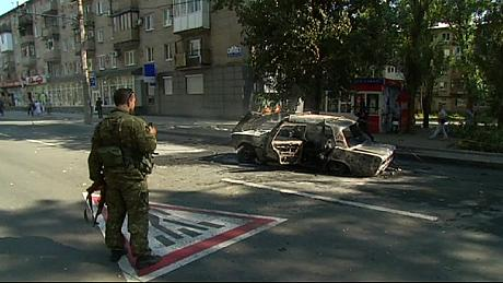 Pro-Russian rebels launch offensive in south-eastern Ukraine, reportedly advancing on key port of Mariupol