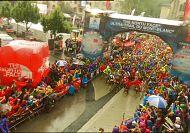 Race around Europe's highest summit gets underway