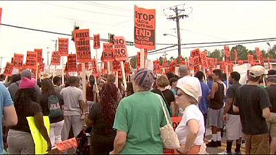مسيرة في فرغسون للمطالبة بالعدالة في قضية مايكل براون