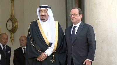 Hollande welcomes Saudi crown prince for talks on terrorism