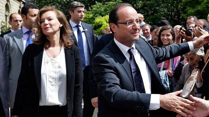 """France : Trierweiler décrit dans son livre un Hollande """"déshumanisé"""""""