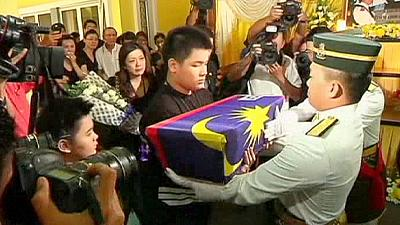 Funeral takes place in Malaysia for MH17 pilot – nocomment
