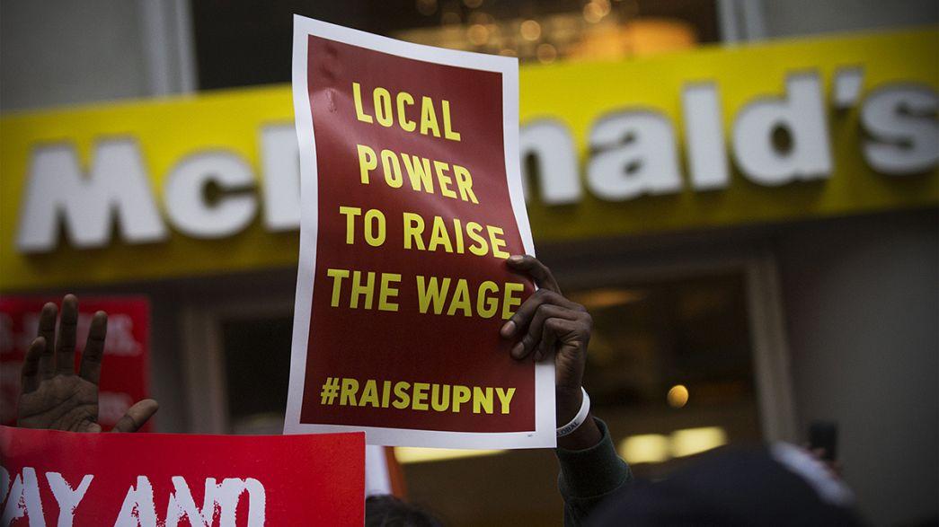 """EUA: Trabalhadores do """"fast-food"""" de greve"""