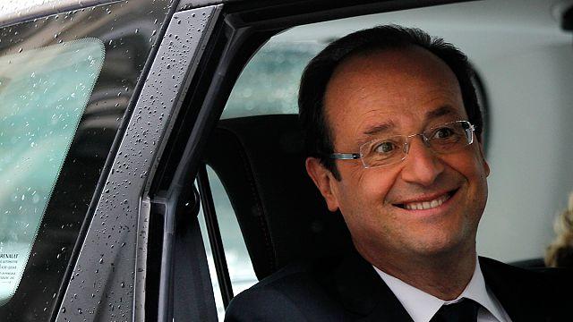 """Trierweiler-Hollande : les """"sans-dents"""" sont mordants sur les réseaux sociaux"""