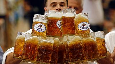 New beer-carrying world record