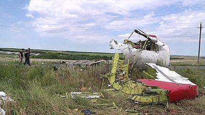Crash du MH17 : les premiers résultats de l'enquête pointent vers des causes extérieures