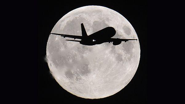 دعوة لنشر صور القمر باجمل اشكاله