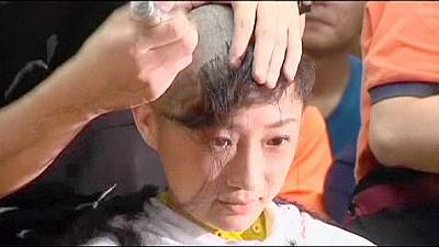 Hong Kong activists shave heads for democracy – nocomment