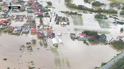 Balkans: torrential rain causes fresh floods