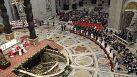 Le pape François marie 20 couples au Vatican