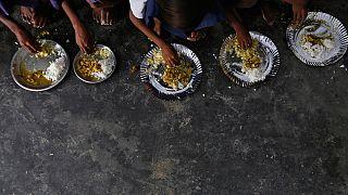 La faim dans le monde recule mais reste source de profits pour certains