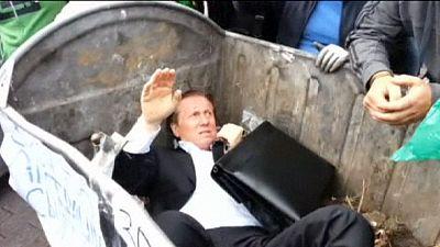 Ukrainian politician binned – nocomment