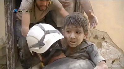 Syria: boy rescued from rubble in aftermath of Aleppo bombing – nocomment