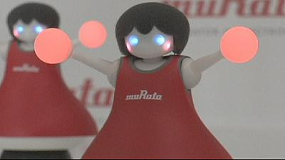 Japanese electronics company creates miniature robot cheerleaders – nocomment