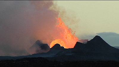 Iceland: dangerous lava flow threatens highland road – nocomment