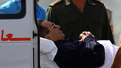 Egito: Veredicto de Mubarak adiado