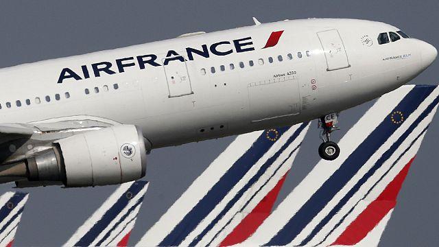 Air France: le syndicat de pilotes majoritaire annonce la fin de la grève