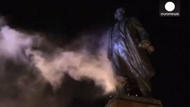 Watch: Huge statue of Lenin torn down in eastern Ukraine