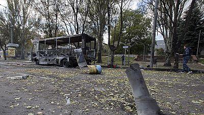 Donezk: Rakete schlägt neben Schule ein – 10 Tote