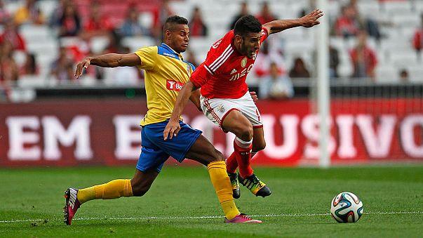 Liga Portuguesa: Benfica e Sporting goleiam, Porto sofre
