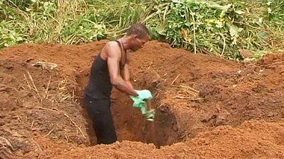 Sierra Leone grave diggers down tools demanding danger money