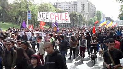 Students in Chile protest over slow education reforms