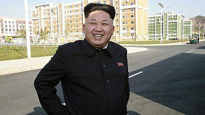 Corée du Nord : Kim Jong-un de retour, appuyé sur une canne