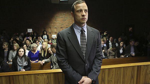 Pistorius attende di conoscere la sua pena, potrebbe evitare il carcere